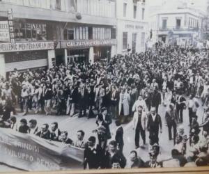 Giovedì 18 MAGGIO 1978………40 anni fa                                     100 MILA a BRINDISI CON LUCIANO LAMA